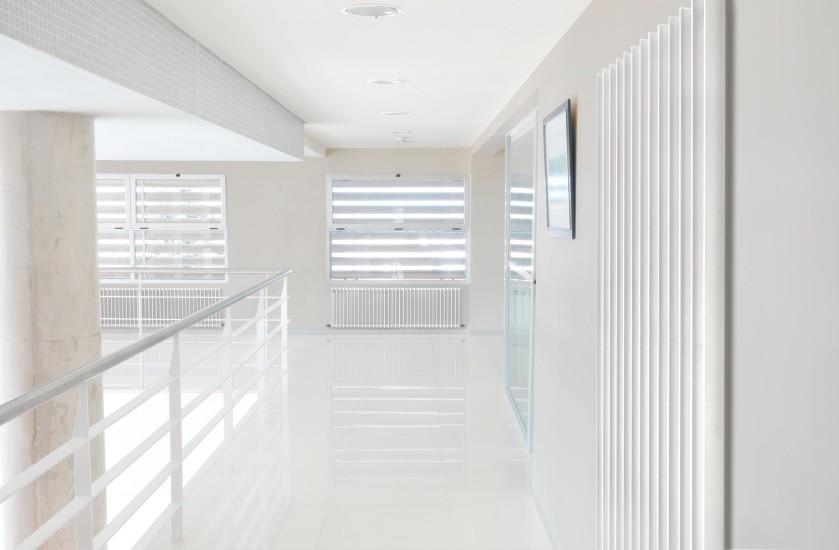 Zehnder_RAD_Excelsior_corridor_white_Office_25656